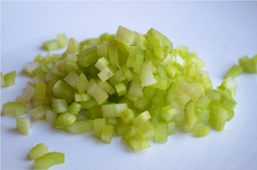 chopped celery - photo #17
