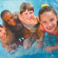 kids-at-pool